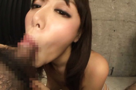 Flawless Asian race queen Mao Hamasaki deepthroats hot guy on pov