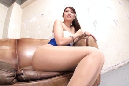 Sea appeal Asian race queen Yui Ooba drills her neat